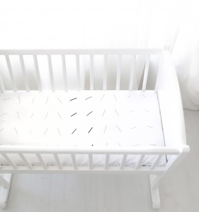 Magnetic Attraction baby fitted sheet