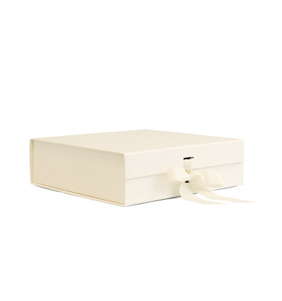 GIFT WRAPPING - ivory box